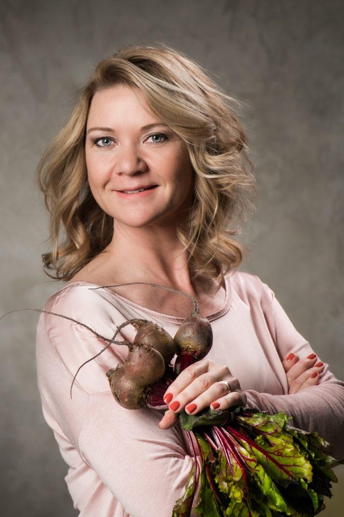 Astrid Koole auteur van het collageenkookboek wat zie jij er lekker uit!